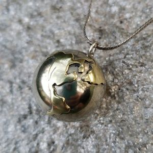 Vtg Silver Harmony Earth Chime Pendant Necklace
